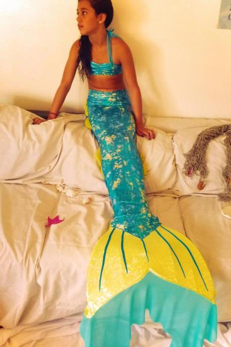 AQUA Mermaid Tail. A piece of Art Handmade by Mermaidreams. Tailored just for you with Monofin included
