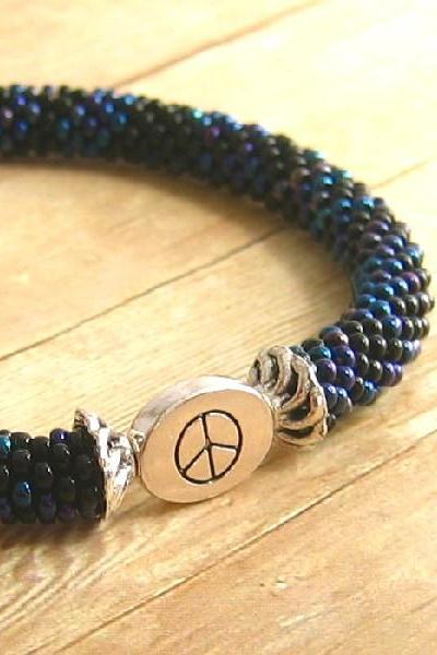 Bead Crochet Bangle Bracelet, Black Beads, Peace Sign Message Bead, Beadwork, Women's Fashion Accessory, Seed Bead Tube