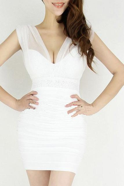 Enchanting Deep V Neck Mesh Splicing Sequin Decoration Party Dress- White