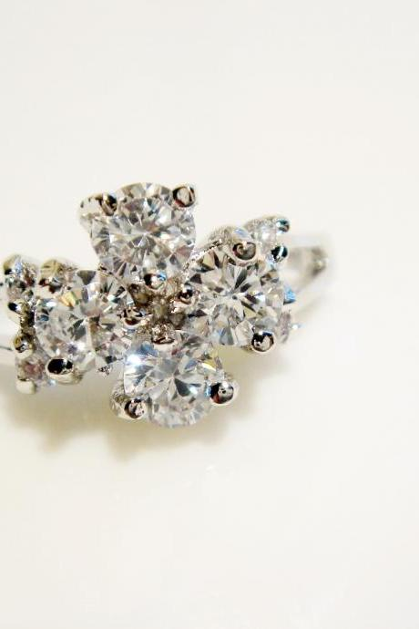 Clover CZ Silver Ring R01