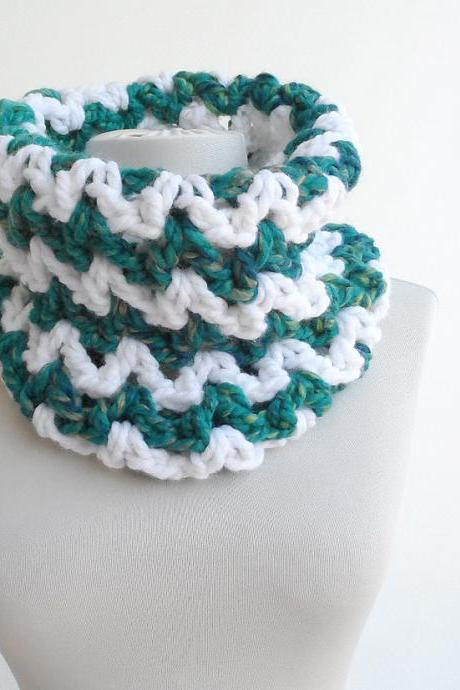 Chevron tube scarf crochet neckwarmer cowl green and white