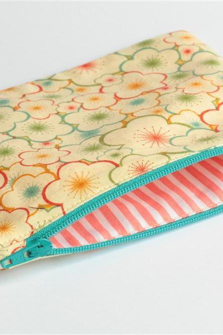 Zipper Pouch - Pretty Floral Outline with Turquoise Zipper