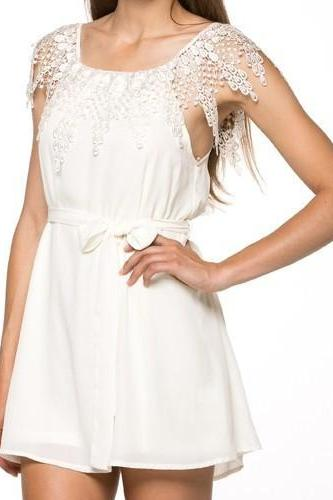 STITCHING SLEEVELESS WORD SHOULDER CHIFFON DRESS