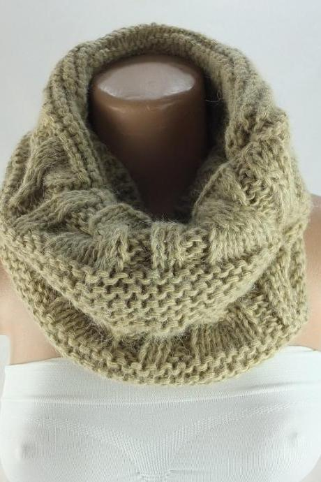 knit infinity scarf, chunky knit scarf, loopy scarf, woman scarf, circle scarf,ring scarf,woman scarf, gift for her