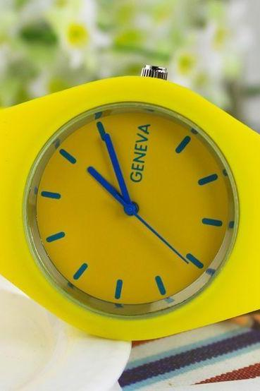 Sport teenage rubber strap yellow girl watch