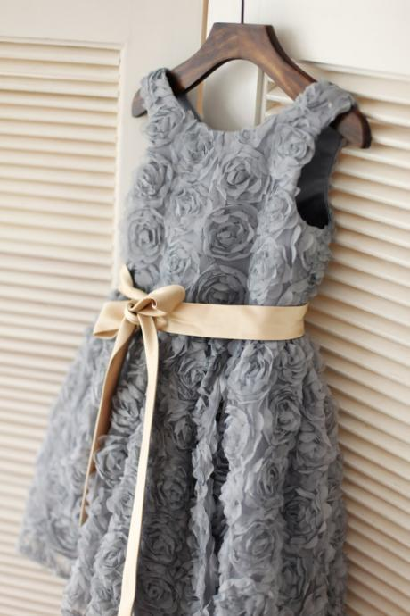 Ulass Gray Rosette Flower Girl Dress/Champagne Gold Sash Children Toddler Party Dress for Wedding Junior Bridesmaid Dress
