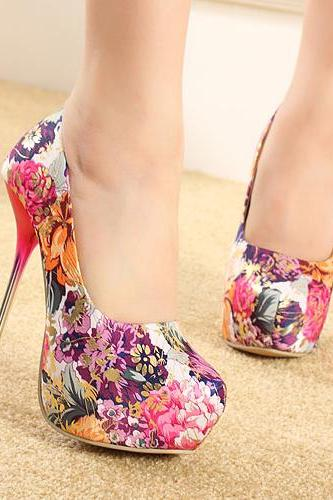 Gorgeous Floral Design High Heels Shoes