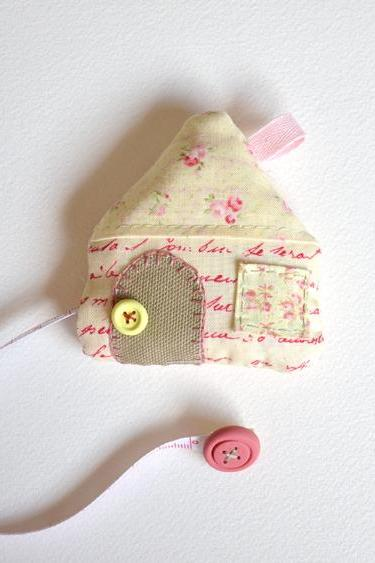 Fabric House / Retractable Tape Measures