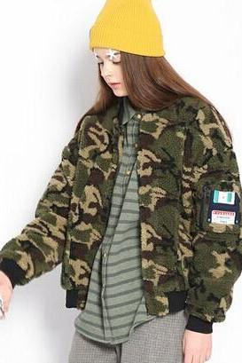 Floppy camouflage baseball thick quilted cashmere sweater short coat