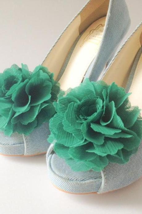 1 pair (Set of 2) emerald green Chiffon flower shoe clips for bridal wedding /Choose your color