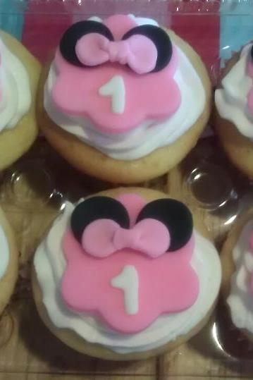 12 Fondant 'Minnie Mouse Inspired' Cupcake Toppers