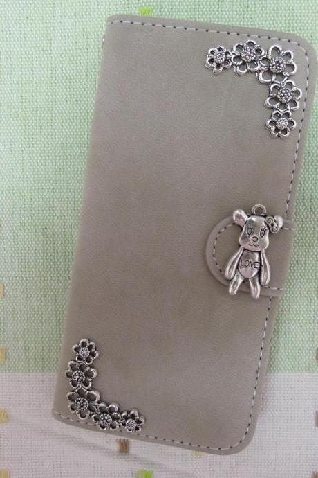 iPhone 6 Wallet Case/iPhone 6 Plus Wallet Case-Bear/Plant Studded Beige iPhone 6/6 Plus Wallet Case-Credit Card Case