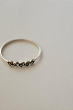 Thin marcasite ring, tiny vintage ring ( JZ19)
