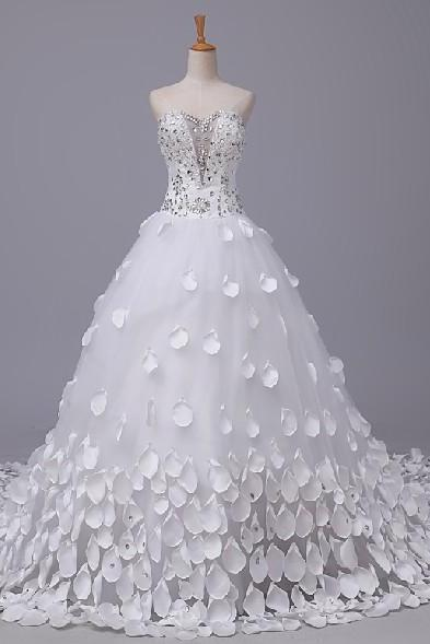 2015 Noble fashion A line sweetheart beading applique wedding Dresses long train lace up bridal gowns custom made