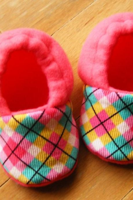 Pink Argyle Fleece Baby Booties