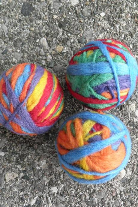 Waldorf, Vibrant Wool Ball set. Toy set for babies,children. Juggling set. Bowl filler, unique home decor idea. Eco friendly. Natural.