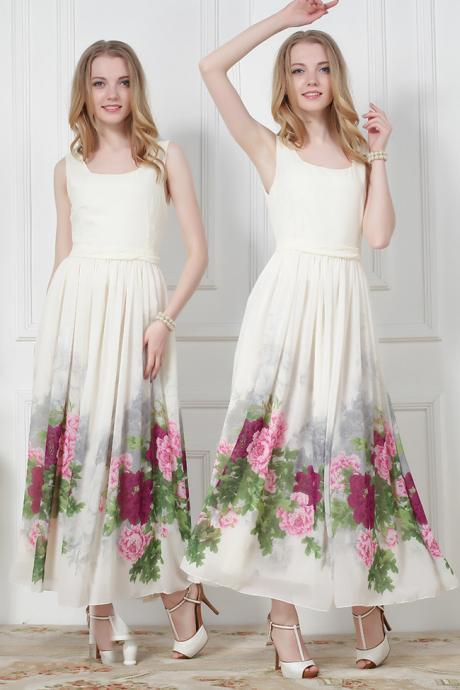 Beautiful Vintage Design Floral Maxi Dress