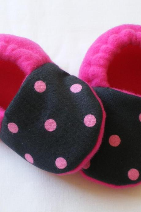Black with Pink Dots Fleece Baby Booties