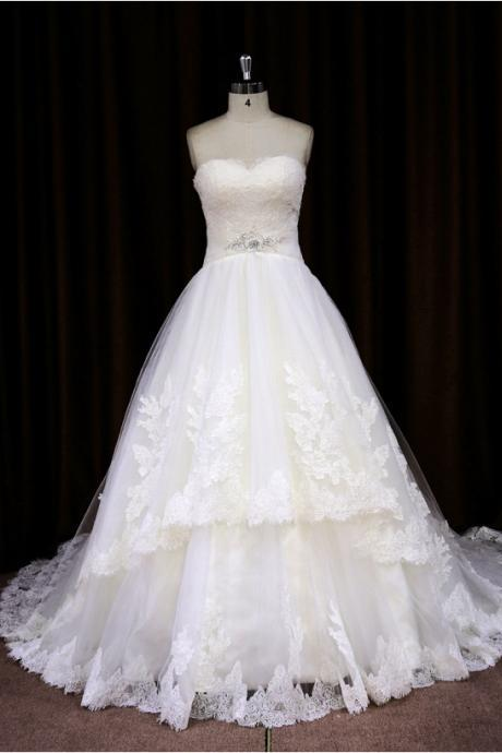 2015 Princess Sweetheart Chapel Train Ball Gown Wedding Dress With Beaded Bodice