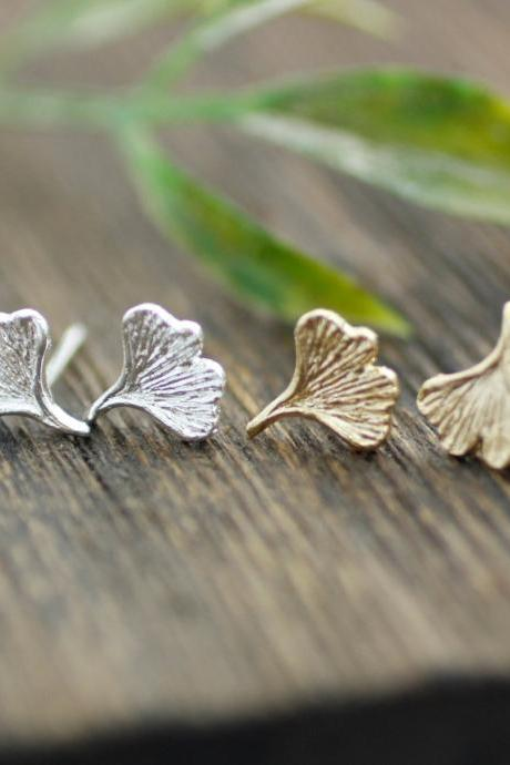 Ginkgo leaf earrings in Gold/Silver