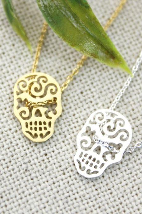 Cut- out Skull face charm pendant necklace in gold / silver
