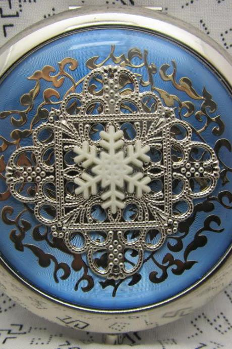 Compact Mirror Snowflake