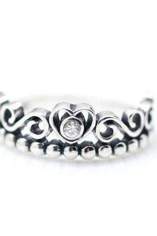 925 sterling silver Tiara Ring detailed with CZ