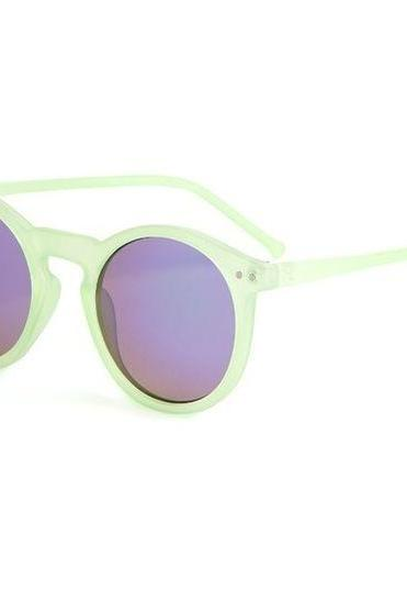 Round black lens summer green frame girl sunglasses