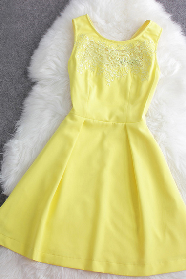 Fashion cute chiffon sleeveless dress hook flower--yellow