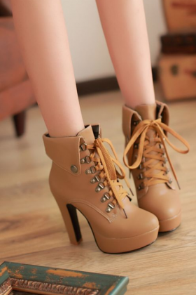 Hot Apricot 4.7in Platform High Heel Ankle Boots
