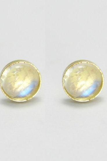 Moonstone stud earrings. 14k gold 6mm Moonstone stud earrings. Moonstone post earrings. Moonstone earrings. Gold post