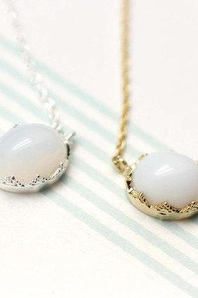 Moonstone Necklace in gold / silver