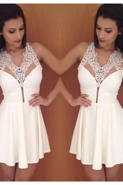 2015 Sexy v collar sleeveless white stitching lace dress
