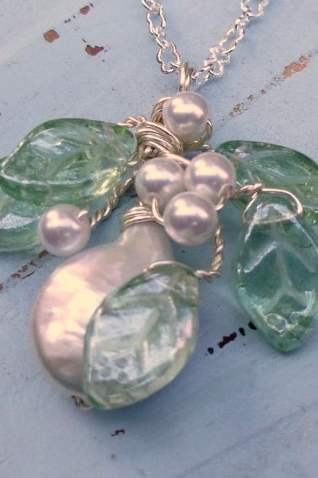 Coin Pearl and Leaf Necklace