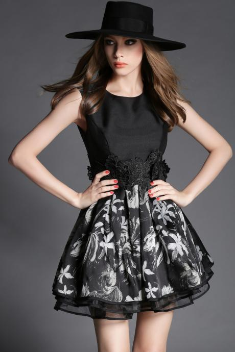 High Quality Black Embroidered Sleeveless Dress