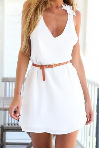 Fashion White Sleeveless Halter Dress