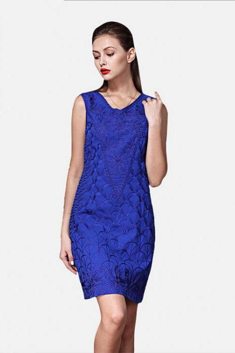2015 In Europe And The Heavy Embroidery Pattern Stitching Bud Silk Dress