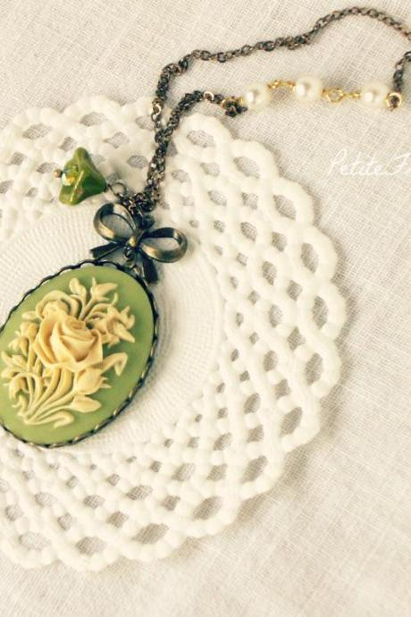 Delicacy, Flower Cameo necklace in cream white and olive green