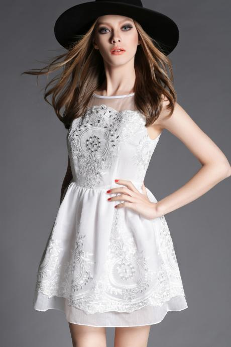 Fashion New Embroidered Sleeveless Dress
