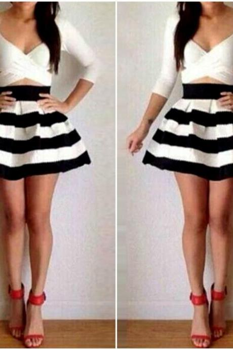 Cute And Sexy Black And White Stripe Long Sleeve Dress VG42314MN