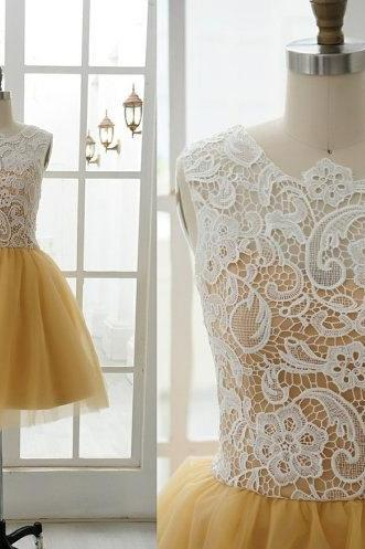 Sleeveless top ivory lace A line gold tulle knee length short prom dress,zipper back bridesmaid dress,formal party dress