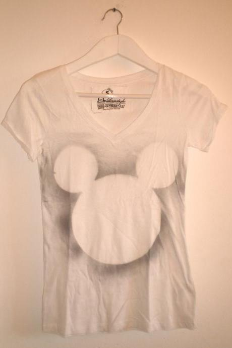 White maxi t shirt grey Mikey Mouse shadow halo