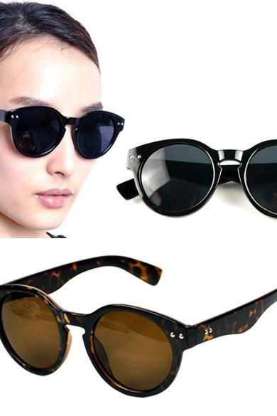 Unisex Bold Circle Round Rivet Sunglasses