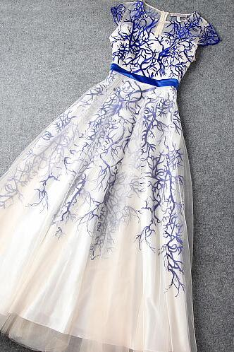 The blue evening dress heavy embroidery long dress