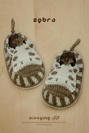 Crochet Pattern - Zebra Baby Booties, Zebra Preemie Socks, Animal Shoes, Zebra Applique, Zebra Baby Slippers Crochet Pattern by kittying
