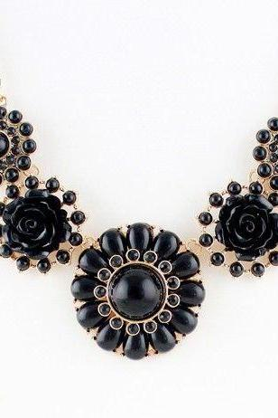 Flower pendants anniversary black fashion woman necklace
