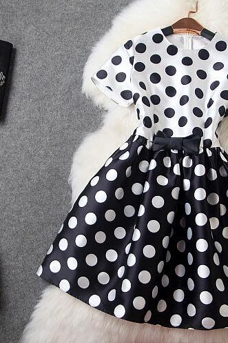 Fashion wave point round collar short sleeve bow dress