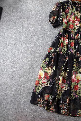 Aristocratic temperament Printing large lantern sleeve Cultivate one's morality dress dress