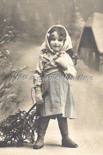 1054 Digital download Charming little girl in the snow