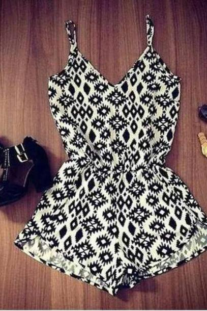 CUTE GEOMETRIC HOT JUMPSUIT ROMPER